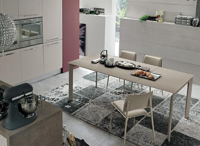 Tavoli sedie e complementi md arredamenti for Arredamenti md